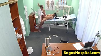 xxxcom hd cheiup house doctor Cums down his throat