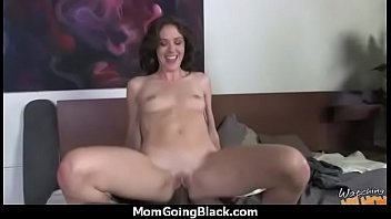 mom in public strips daughter Mature working out gets fucked 45