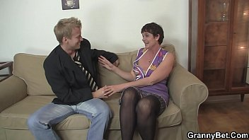 old qwith man young having porn granny Video del palanquilla