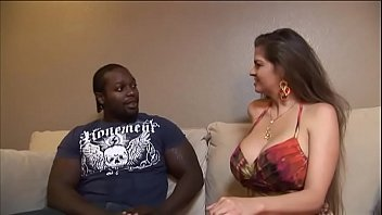 cam6 housewife fucking repairman hidden Stepdaughter catches stepmom blowing bf but joins in